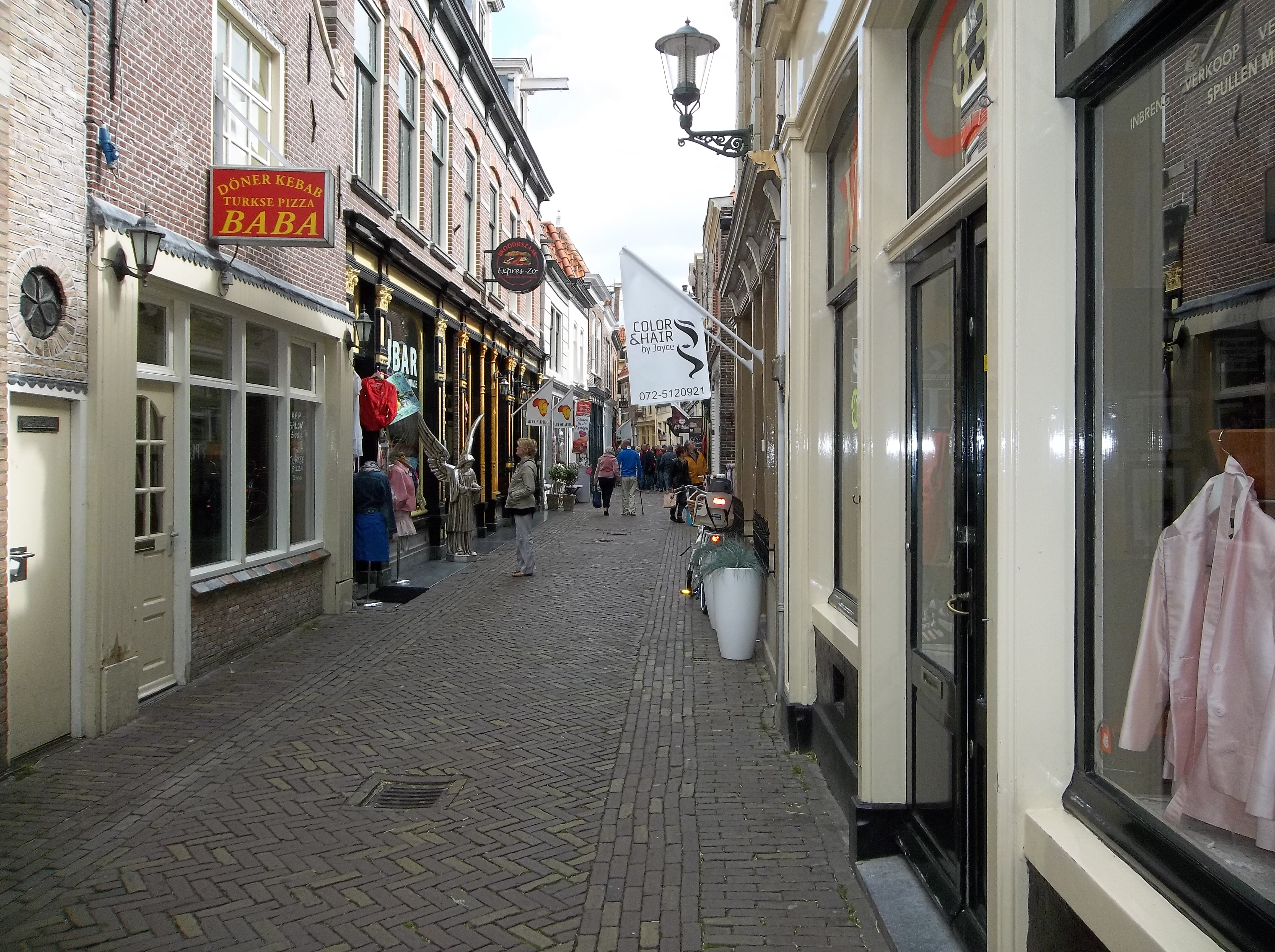 the netherlands pt. 5: alkmaar | reinventing the we'll, Attraktive mobel